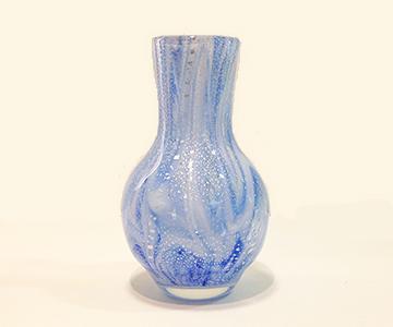 《能登島ガラス》散銀箔花器(青)