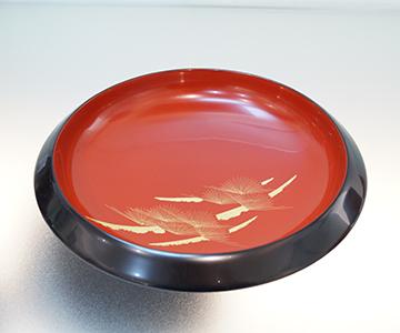 《輪島塗》菓子鉢 黒内朱「雅松」