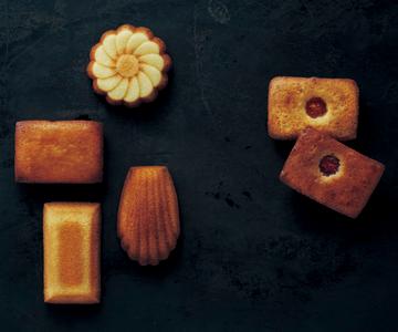 〈モロゾフ〉マドレーヌ・フィナンシェ・ベイクドチーズケーキ(ストロベリー)詰合せ 23個入