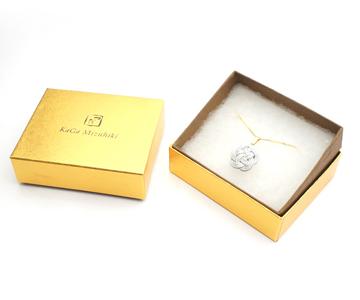 〈津田水引折型〉水引ネックレス 花(ホワイトブルーW124)